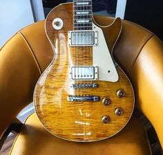 because guitars are the best. Music Guitar, Cool Guitar, Playing Guitar, Guitar Room, Art Music, Gibson Guitars, Fender Guitars, Guitar Tips, Guitar Lessons