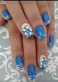Un peu fleur bleu ,un peu marin ,la mer le soleil et ....