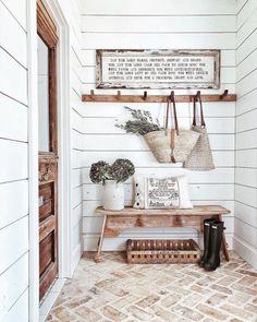 36 Ideas farmhouse mudroom mud rooms brick flooring for 2019 Casas Shabby Chic, Brick Flooring, Flooring Ideas, Farmhouse Flooring, Hall Flooring, Brick Pavers, Laminate Flooring, Style Deco, Farmhouse Design