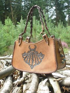 Jeweleeches Vivian Hebing handmade leather handbag with of course my own design and my own glass beads!
