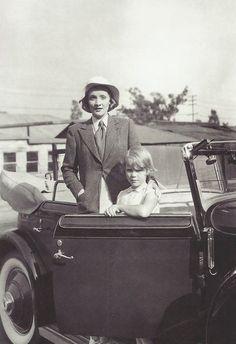 #MarleneDietrich <br>#МарленДитрих<br><br>Марлен с Марией, 1930