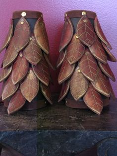 Elven Scale Bracers by FlacusetArhadel on Etsy Leather Projects, Leather Crafts, Armadura Cosplay, Leather Bracers, Renaissance Costume, Fantasy Armor, Fantasy Creatures, Larp, Leather Working