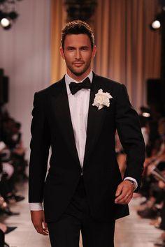 Noah Mills, Model