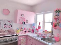 Hello Kitty Kitchen, Hello Kitty Rooms, Hello Kitty House, Hello Kitty Room Decor, Cozinha Shabby Chic, Pastel House, Cute Room Ideas, Kawaii Room, Aesthetic Rooms