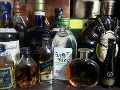 울 아빠 애장품 미니어쳐들 중  유독 나의 눈길을 끄는 것이 있어용..부드러움으로~처음처럼!   소주, soju, 처음처럼, 한국 술, korean drink, 알칼리 환원수로 만든 깨끗한 술♥