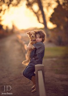 Portrait Photography of Children in Fall - Beautiful Fall Photos - Animals Dogs And Kids, Animals For Kids, Animals And Pets, Cute Animals, Precious Children, Beautiful Children, Dog Love, Puppy Love, My Face Book