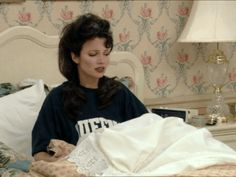 GIF discovered by marybritzanttie. Discover (and save!) your own images and videos on We Heart It aesthetic gif Animated gif about gif in the nanny 👧🏻👦🏻👶🏻 by marybritzanttie Nana Fine, Fran Fine The Nanny, Annoyed Gif, The Nany, Fran Dresher, Miss Fine, Fran Fine Outfits, Nanny Outfit, Aesthetic Gif