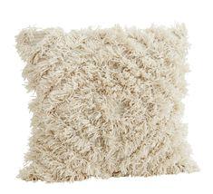 Chlupatý povlak na polštář White 60x60 cm zútulní váš domov. Pojďte si s námi vytvořit krásnou domácí atmosféru, na tu jsme odborníci ♥ Máme vše skladem.