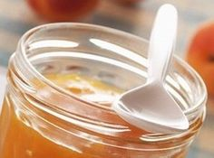 Recette de confiture d'abricots au thym - Recettes de confitures originales - N'oubliez pas d'étiqueter vos pots : date de fabrication obligatoire ! Préparation : 30 min Cuisson : 45 min Ingrédients (pour 8 à 10 pots de 250 g) : - 3 kg d'abricots dénoyautés (4 kg de fruits frais) - 2...
