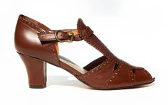 Remix Vintage Shoes, Emily 20s/30s-Style T-Straps in Cognac Brown