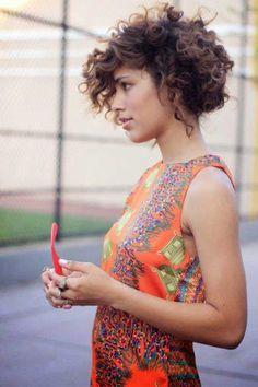 Más de 15 cortes de pelo rizado lindo para el pelo corto //  #Cortes #corto #lindo #más #para #pelo #rizado