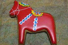 Dala horse Red House Cookies         アイシングクッキー教室: クリスマスアイシングクッキー