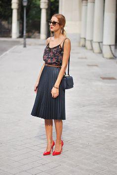 pleated skirt//
