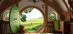Can I really live in a Hobbit Home? The advantages and disadvantages of living in a hobbit house. Hobbit Hole, The Hobbit, Hobbit Bilbo, Amazing Architecture, Interior Architecture, Hobbit House Interior, Casa Dos Hobbits, Earthship, Home Wallpaper