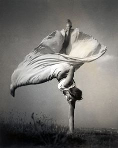 Woman doing a one handed cartwheel, ca. 1937/38, by Dr. Bohumil Kröhn. ☚