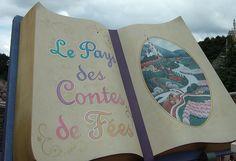 #Disneyland paris. Le pays des contes de fées / The land of fairy tales boat ride in Fantasyland #DLP #DLRP #Disney