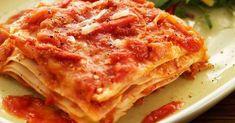 En vegetarisk lasagne som är perfekt till vardags med mättande morot och cottage cheese. Lasagnen kryddas med vitlök och chilisås som ger sting.