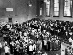 Traders rush in Wall Street as New York Stock Exchange crashes, sparking a run on banks that spread across the country in October the beginning of the Stock Market Crash. (OFF/AFP/Getty Images) Marie Curie, Mahatma Gandhi, Steve Jobs, Us History, American History, Einstein, High Interest Accounts, Finance, Big Stock