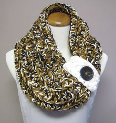 Chunky Bulky Button Crochet Cowl: Black, Honey Brown and White with Black Button