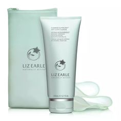 Liz Earle Cleanse and Polish Hot Cloth Cleanser Starter Kit Daily Beauty Routine, Beauty Routines, Liz Earle Gift Set, Eucalyptus Essential Oil, Essential Oils, Cleanser, Moisturizer, Radiant Skin, Beauty Essentials