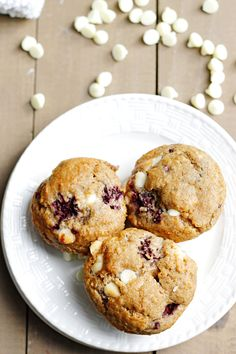 Blackberry White Chocolate Muffins | Fabtastic Eats
