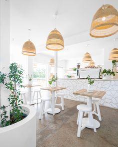 Restaurant Ideas, Restaurant Interior Design, Farmhouse Furniture, Outdoor Furniture, Bakery Shop Design, Cafe Style, Cafe Bar, Mediterranean Style, Kiosk