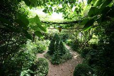 HGTV Gardens gives you a tour of the enchanting personal garden of designer Ryan…