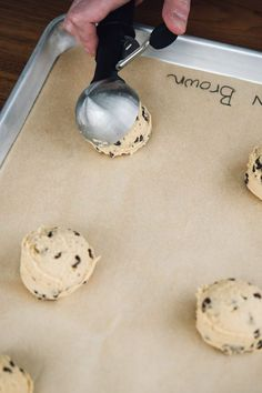 Fun Cookie recipes - I Tested A Shit Ton Of Cookie Recipes To Find The Absolute Best. Famous Chocolate Chip Cookie Recipe, Soft Chocolate Chip Cookies, Cookie Recipes From Scratch, Best Cookie Recipes, Fun Recipes, Pudding Cookies, Fun Cookies, Wedding Snacks, Cookie Brownie Bars