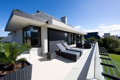 House Zuegel, Pearl Valley Golf Estate Golf Estate, Outdoor Furniture, Outdoor Decor, Sun Lounger, Architects, Pearl, Houses, Mansions, House Styles