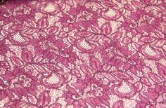 Yeni sezon dantel kumaş modelleri ve boncuklu kumaş çeşitleri mağazamız raf ve reyonlarında beğeninize sunulmaktadır. 4447578