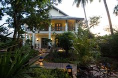 Hotel Luang Prabang Villa Maly. Accommodation with swimming pool and spa.