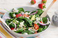 Sommersalat mit Avocado, Gorgonzola und Erdbeeren - Gaumenfreundin - Foodblog aus Köln mit leckeren Rezepten von der schnellen Küche bis Low Carb