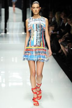 Versace Spring 2011 RTW - Review - Collections - Vogue