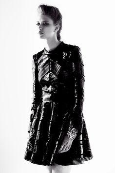 Editorial moda Future   #photo #fashion #editorial #Barcelona #sandraescala #foto #moda #editorial #frida #hugosalazar #hugosalazarfotografo ✸✸Hugo Salazar Photographer / Hugo Salazar Fotógrafo ✸✸ para ver más fotos visita / more photos in http://www.hugosalazar.co.uk/