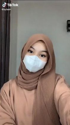 Modern Hijab Fashion, Street Hijab Fashion, Hijab Fashion Inspiration, Muslim Fashion, Look Fashion, Stylish Hijab, Casual Hijab Outfit, Ootd Hijab, Cara Hijab