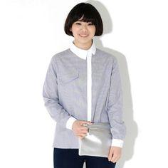 Today's Hot Pick :サイド前立てストライプ柄シャツ【BLUEPOPS】 http://fashionstylep.com/P0000WCS/ju021026/out [顧客モデルコメント] 前立てとカラーが少し右手にあってアンバランス!!すごいユニークですね。 フロントのポケットっぽいディテールもポイントになります。 後ろ部分の裾が長いデザインなのでお尻もカバーしてくれて嬉しいです♪ 寒い時期はニットなどに合わせても後姿がかわいく演出できそうです。 サイズはちょうどいいですね、大きすぎず、小さすぎず。 シンプルなスキニーパンツにコーデしたいです!! 評価 ★★★★★
