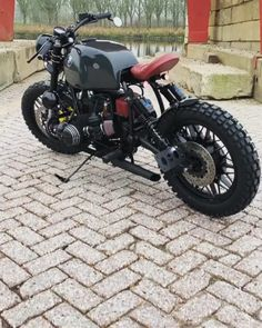 Angry BMW by We support the tracker & scrambler community and celebrate the. Bobber, Scrambler Motorcycle, Best Motorbike, Bmw Cafe Racer, Cafe Racer Build, Suv Bmw, R80, Bmw S1000rr, Vintage Helmet