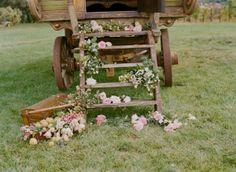 Disposicao de flores rusrica linda