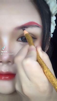 Eyeliner Looks, No Eyeliner Makeup, Eyeliner Tutorial, Aesthetic Pastel Wallpaper, Fashion, Moda, Eye Liner, Fashion Styles, Fashion Illustrations