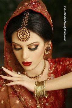 70 Beautiful Ideas for Asian Bridal Makeup Looks - VIs-Wed Asian Bridal Makeup, Bridal Makeup Looks, Bride Makeup, Bridal Looks, Wedding Makeup, Asian Makeup Tutorials, Makeup Tips, Make Up Braut, Hindu Bride