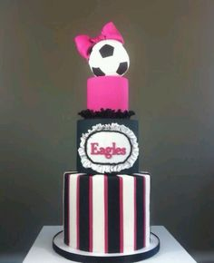 look at this soccer cake! Soccer Birthday, 18th Birthday Cake, Birthday Parties, Soccer Theme, Sport Cakes, Soccer Cakes, Soccer Snacks, Cupcakes, Cupcake Cookies