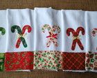 Pano de prato aplicação Natal - bengala Christmas Towels, Christmas Sewing, Diy Christmas Ornaments, Christmas Decorations, Dish Towels, Tea Towels, Applique Towels, Quilting Tutorials, Kitchen Towels