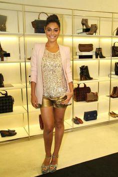 Símbolo fashion: veja 105 looks estilosos da elegante Juliana Paes