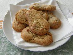 Le fave dei morti sono dei dolcetti a base di mandorle che la tradizione vuole si preparino in tutta l'Umbria in occasione della commemorazione dei defunti