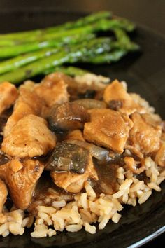 This looks like something we would enjoy! LH 1 lb of boneless chicken breast cut into small pieces  1/2 of a large vidalia onion chopped  3 large Portobello Mushroom caps cut into cubes  1 15oz can of chicken broth  2 tbsp Worcestershire Sauce  1 tbsp Soy Sauce  1 tbsp Garlic Powder  1/2 tsp Thyme  3 tbsp whole wheat flour