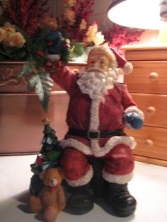 I want this Santa for my collection :)