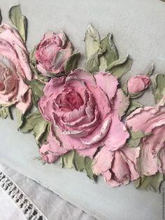 Купить или заказать Журнальница Виктория в интернет-магазине на Ярмарке Мастеров. Журнальница 32х17, Н-27,скульптурная живопись, выполнена в стиле шебби-шик, по бокам винтажные ручки, диаметр центральной розы - 10 см. Авторская журнальница ручной работы.