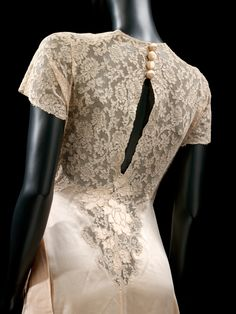Negligée, 1930s. Undressed: 350 Years of Underwear in FashionVictoria and Albert Museum, London
