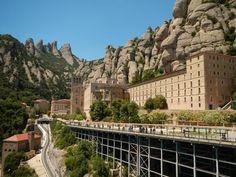 Mosteiro de Santa Maria de Montserrat, na Catalunha, Espanha - Pesquisa Google