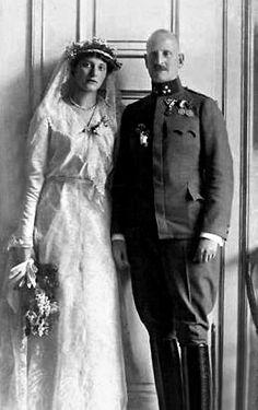 Hochzeit von Elisabeth Fürstin von Urach Gräfin von Württemberg und Prinz Karl Aloys von und zu Liechtenstein.jpg